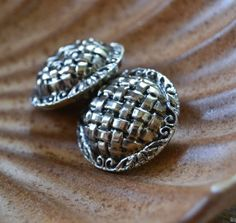 Basket-weave buttons, silver