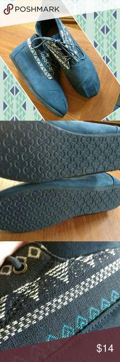 Brand new comfortview 9ww boories Nwot blue booties w Aztec print. Sz 9we comfort view Shoes Ankle Boots & Booties