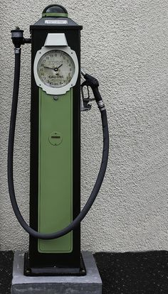 "Parkwood Vintage Petrol Pump people ""in the business called this style pump a clock face"" (for obvious reasons)"