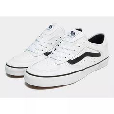 Vans Rowley Classic available on White and black. The best sneakers Vans classic ever. Prepare your sneakers wardrobe and get yours now! Classic Sneakers, Best Sneakers, Vans Sneakers, Vans Classic, Men's Vans, Jd Sports Fashion, White Vans, Vans Shop