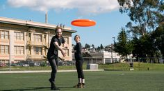 FT Masterclass: Pinterest co-founder Evan Sharp shows off his Frisbee skills Photo by Matthew Reamer