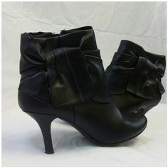 "Black Layered Bow Ankle Booties, size 6 1/2 Black Layered Bow Ankle Booties, size 6 1/2, 2 1/2"" heel height,  rounded toe, zipper closure,  all man made material Mix It Shoes Ankle Boots & Booties"