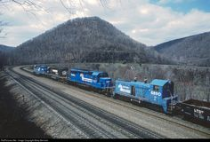 RailPictures.Net Photo: CR 8890 Conrail EMD SW7 at near Altoona, Pennsylvania by Marty Bernard