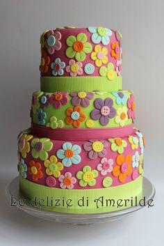 Flowery cake - by Amerilde @ CakesDecor.com - cake decorating website