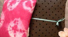 Mit der Textilfärbetechnik Batik lassen sich Kleider aber auch Kissenhüllen oder…