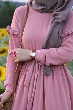 Abaya Fashion, Modest Fashion, Fashion Dresses, Estilo Abaya, Pink Colour Dress, Hijab Dress Party, Muslim Women Fashion, Muslim Girls, Mode Hijab