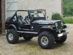Image from http://images.caradisiac.com/logos-ref/modele/modele--jeep-cj7/S7-modele--jeep-cj7.jpg.