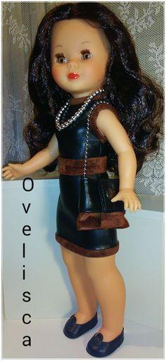 Muñeca Nancy con vestido de cuero y ante
