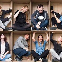 Familienfoto mal anders!  Unser Team hat sich für euch mal in den #Karton begeben und eine kreative #Idee für's #Familienfoto ausprobiert! ➡️ Mehr dazu im #Profillink  #fotokasten #bildererleben