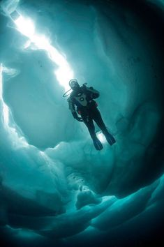 Ice Diving, Antarctica  Why would you want to dive in ice cold water?  Brrrrrrr