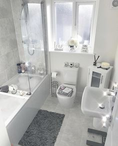 👋🏽 want to see more pins like this Or maybe the latest 𝒷𝑒𝒶𝓊𝓉𝓎 𝓉𝓇𝑒𝓃𝒹𝓈 💁, or tips to help you reach your 𝒻𝒾𝓉𝓃𝑒𝓈𝓈 𝑔𝑜 is part of Bathroom decor - Bathroom Layout, Modern Bathroom Design, Bathroom Interior Design, Small Bathroom, Bad Inspiration, Bathroom Inspiration, Home Decor Inspiration, Bathroom Organisation, Bedroom Decor