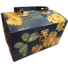 Preowned 1960s Wooden Box Purse W Painted And Applied Flowers &... (2.840 DKK) ❤ liked on Polyvore featuring home, home decor, multiple, novelty bags, wooden home decor, wooden home accessories, butterfly home decor, floral home decor and wood home decor
