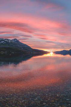 motivationsforlife:     Light in the summer night      by      John A Hemmingsen      //      MFL