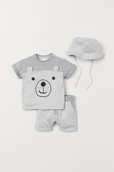 H&M Jersey Set - Gray Baby Club - online baby clothes stores where you can find fashionable baby clothes. There is a kid and baby style here. Disney Baby Clothes, Baby Clothes Online, Cute Baby Clothes, Clothes For Kids, Cute Outfits For Kids, Baby Boy Outfits, Cute Kids, Baby Set, Baby Girl Fashion
