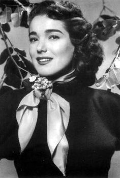 October is Julie Adams' birthday. She was born in Waterloo, Iowa. She struggled as a secretary, trying to make it in Hollywood. Hollywood Photo, Old Hollywood Glamour, Vintage Hollywood, Classic Hollywood, Julie Adams, Old Film Stars, Movie Stars, Jennifer England, Celebrities Then And Now