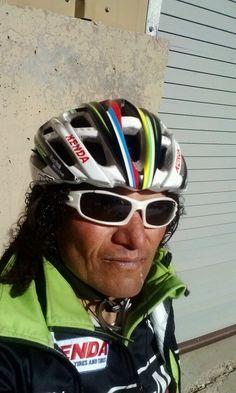 #TheLivingLegend #MTB #Tinker Tinker Juarez Cross Country Mountain Bike, Mountain Bike Races, Oakley, Living Legends, Road Racing, Road Bike, Bmx, Bicycle Helmet, Athletes