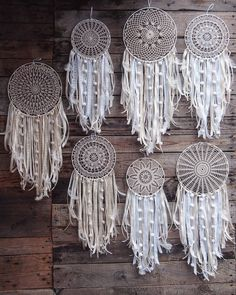 23 Clever DIY Christmas Decoration Ideas By Crafty Panda Sun Catchers, Lace Dream Catchers, Dream Catcher Boho, Dreamcatcher Design, Crochet Dreamcatcher, Crochet Mandala, Crafts To Make, Diy Crafts, Doilies Crafts