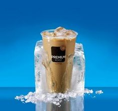 McDonald's Vanilla Iced Coffee - Make your favorite Restaurant & Starbucks recipes at home with Replica Recipes! Mcdonalds Iced Coffee, Iced Coffee Drinks, Starbucks Recipes, Coffee Recipes, Drink Recipes, Appetizer Recipes, French Vanilla Iced Coffee Recipe, Mcdonald's Restaurant, How To Make Ice Coffee