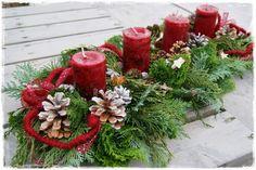 velas navideñas - New Ideas Christmas Flowers, Christmas Candles, Christmas Centerpieces, Rustic Christmas, Christmas Tree Decorations, Christmas Holidays, Christmas Wreaths, Christmas Crafts, Holiday Decor