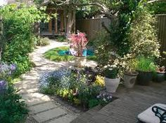 Image result for small rear garden ideas Small Rear Garden Ideas, Stepping Stones, Patio, Outdoor Decor, Plants, Image, Home Decor, Stair Risers, Decoration Home