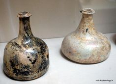 Late 17th/early 18th century wine bottles, discovered during archaeological excavations in Galway city #archaeology pic.twitter.com/9WChWxwzMa