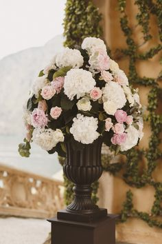Pale pink, cream and white wedding flowers,hydrangea rose, peony lake como wedding