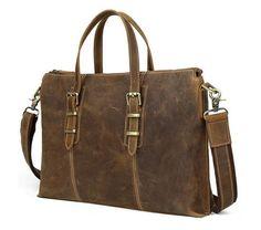 Túi xách laptop da bò với màu nâu cổ điển. Túi được dùng làm cặp đựng laptop, cặp tài liệu hay túi đeo chéo, Các móc khóa mạ đồng, Có khóa kéo phần miệng túi