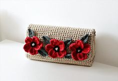 42 Fabulous Handmade Crochet Bag & Purses | DIY to Make Crochet this simple flowered evening bag..it's easier than you think..