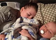 Dad's Heartwarming Tribute to Fiancée Sends Important Reminder to All Couples with Kids – Suis Enceinte Toddler Sleep, Baby Sleep, Photos On Facebook, Always Tired, Charlotte, Get Baby, Take A Nap, Disney Family, Mother And Child