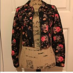 HPDivided floral crop jacket This is sooo cute! Dress it up or down. Host Pick 3.21.16 Spring TrendsBUNDLES OF 5 OR MORE ITEMS ARE 50% OFF! **listing will have to be done manually since posh only allows up to 30% on their bundle feature. Lmk if you're interested in this deal and I'll make you a listing for 50% off!❣ Divided Jackets & Coats