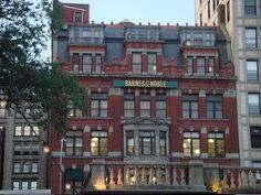 http://may3377.blogspot.com - Barnes and Noble, New York City