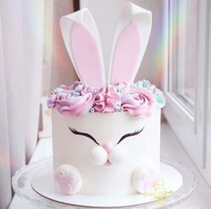 Bunny cake 🐰😍 Perfect for Easter 😉 Credit . How would you rate this cake from 1 to 🤗 Please comment 👇 . Bunny Birthday Cake, Easter Bunny Cake, Desserts Ostern, Pastel Cakes, Rabbit Cake, Cake Shapes, Naked Cake, Animal Cakes, Easter Celebration