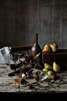 Pratos e Travessas: Coxas de frango com pêras, castanhas e vinho do Porto | Chicken thighs with pears, chestnuts and Port wine | Food, photography and stories