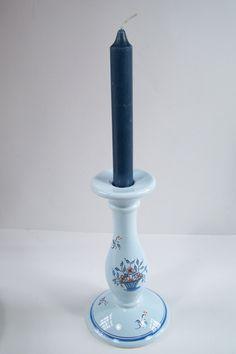 Bougeoir bleu Faïence de Pornic peint à la main motif floral  vintage Made in France de la boutique MyFrenchIdeedAntique sur…