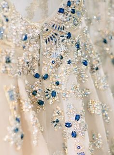 Elie Saab Spring-Summer 2017 Haute Couture - Photography: Greg Finck - www.gregfinck.com Read More on SMP: http://www.stylemepretty.com/2017/01/29/elie-saab-haute-couture-ss17-paris-fashion-week/  (=)