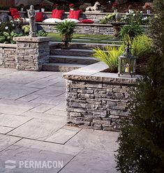 Esplanade wall range Margaux beige +  Esplanade step and slab beige  permacon.ca