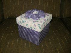 Caixa de costura em cartonagem