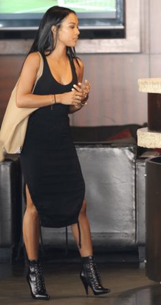 Click here to see best midi black tank dresses: http://www.slant.co/topics/4465/~below-knee-midi-black-ribbed-tank-dresses-with-a-scoop-neck