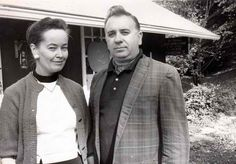 Ed Warren and Lorraine Warren were paranormal investigators involved in many cases including Amityville and the Perron case, a subject of The Conjuring. Patrick Wilson, Scary Ghost Stories, True Stories, Lorraine Warren Museum, The Conjuring, Horror Em Amityville, Paranormal Research, Paranormal Studies, Horror Films