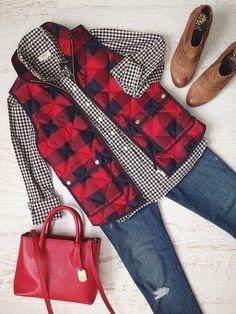 Details zu Damen Red Buffalo Checker Quilted Excursion Puffer Winterweste Größe S-XL, Look Fashion, Fashion Outfits, Womens Fashion, Fashion Trends, Fall Fashion, Feminine Fashion, Latest Fashion, Fashion Ideas, Fashion Check