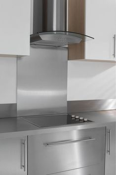 Stainless steel is widely used as kitchen splashbacks in domestic and commercial kitchens thanks to the ease at which it can be installed, its resilience and particularly its resistance to repeated cleaning cycles. It can even be used directly behind a hob or other heat source with no risk of warping, cracking or other damage.