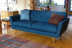 Nixon Loveseat in Klein Azure