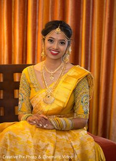 Beautiful yellow designer blouse for wedding Gold Silk Saree, Bridal Silk Saree, Silk Sarees, Bridal Sarees South Indian, Indian Bridal Fashion, Wedding Saree Blouse Designs, Silk Saree Blouse Designs, Bridal Looks, Bridal Style