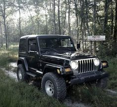 Nice! Jeep Cars, Jeep Truck, 4x4 Trucks, Jeep Wrangler Rubicon, Jeep Tj, Dream Car Garage, Black Jeep, Jeep Stuff, Jeep Life