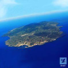 c'è un paradiso nel Mediterraneo ed è aperto a tutti. #pantelleria #trapani #sicilia #sicily #travel #holiday #mediterranean #island by ipantelleria