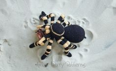 Add this fabulous life like tarantula to your life! He (or she) makes a great gift and a great pet (nothing to clean up after!). Pattern includes