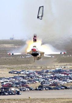 Thunderbirds F-16 Capt. Christopher Stricklin September 14, 2003 - Mountain Home AFB.