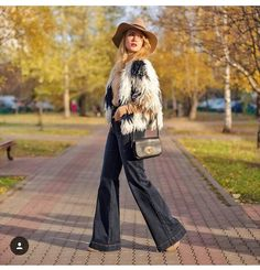 #stefanelvigevano #stefanel #moda #fashion #look #trendy #shopping #negozio #shop #woman #donna #girl #foto #photo #instagram #instalook #outfit #abbigliamento #models #vigevano #lomellina #piazzaducale #riga #rigamania #pants #pantalone #wool #lana  #collection #fall #winter #autunno #inverno #coat  #blondie #relax #walk #happy