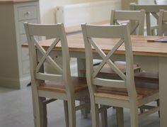 Drewniane meble w stylu prowansalskim do kuchni i jadalni dwukolorowe meble drewniane #sosnowe #prowansalskie #drewniane #krzesła #dekoracje