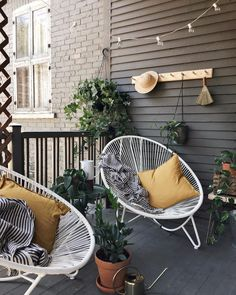 60 Chic Balcony Décor Ideas For Any Home . - - 60 Chic Balcony Décor Ideas For Any Home … 60 Chic Balcony Décor Ideas For Any Home <! Condo Balcony, Balcony Chairs, Small Balcony Decor, Apartment Balcony Decorating, Outdoor Balcony, Balcony Furniture, Balcony Garden, Balcony Ideas, Lounge Chairs